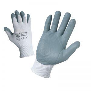 Ръкавици потопени в нитрил